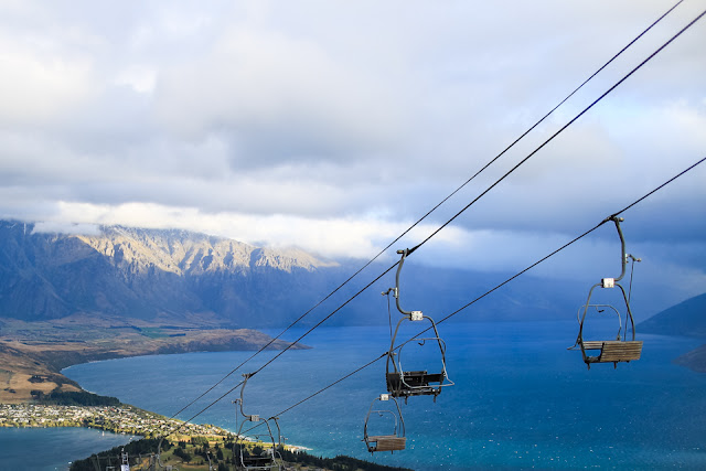 chair lift and mountains in Queenstown