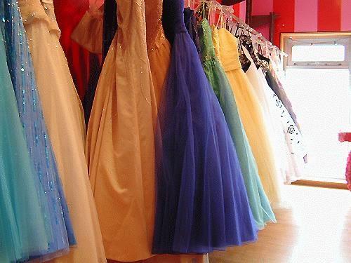 12 Merek Pakaian Paling Mahal di Dunia