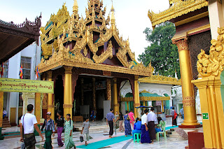 Escalera sur - Pagoda Shwedagon