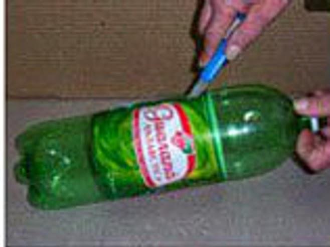 DIY: Escoba con botella Paso 1