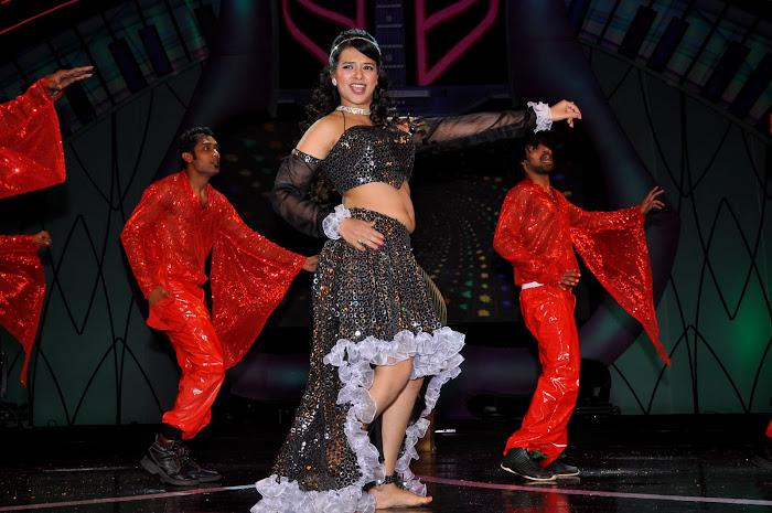 saloni test dance at maa music awards 2012 latest photos