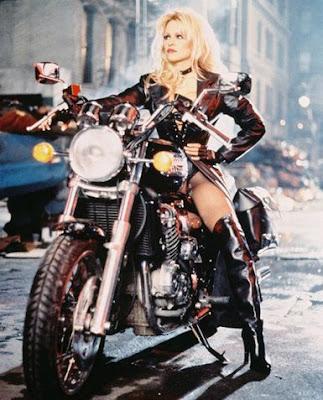 Pamela Anderson : le retour de la bimbo