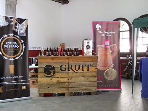 stands de productores de cerveza