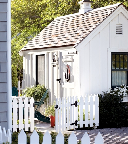 Turning a Garden Shed into a Nautical Seaside Escape