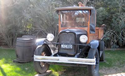 Também exposto no Temaikèn, este caminhão Chevrolet 1925 pertenceu originalmente a uma vinícola da província de Mendoza, cuja função era transportar as uvas para a adega e materiais para os parreirais. Nos últimos anos de sua carreira, o caminhão obrigava o chofer a ter conhecimentos de mecânica para consertos constantes, quando trajetos de 40 minutos eram estendidos para até três horas.