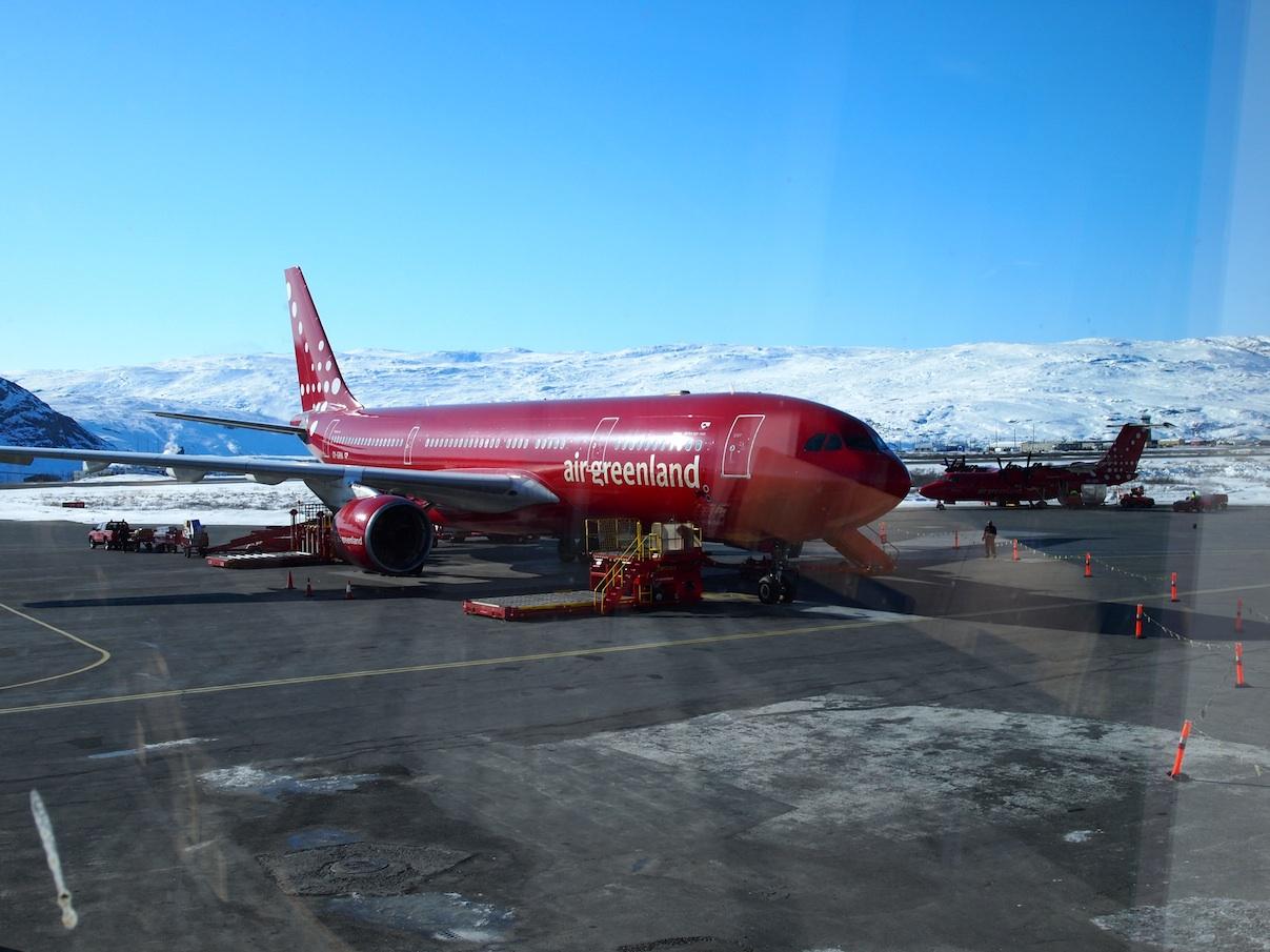 flyve til grønland