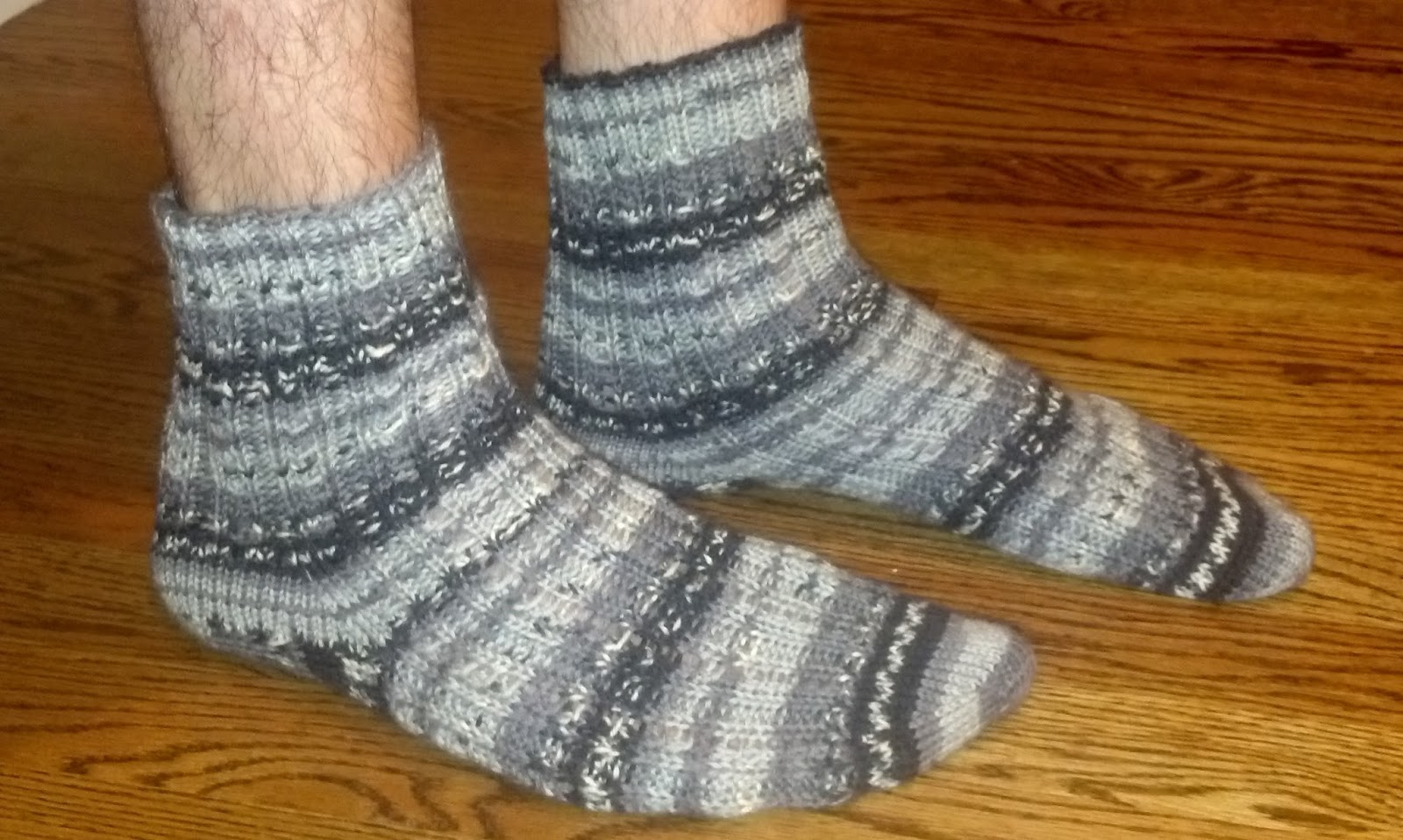 Pattern knotted rib toe up socks knit a bit crochet away pattern knotted rib toe up socks bankloansurffo Image collections