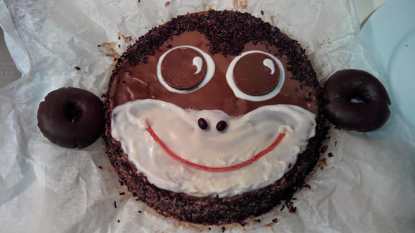 tarta mono de chocolate, tarta mono, mono de chocolate, tarta chocolate, cara de mono, pintando la mona, tarta animal, tarta divertida, tarta mona, tarta graciosa, tarta original, mono, chocolate, animal