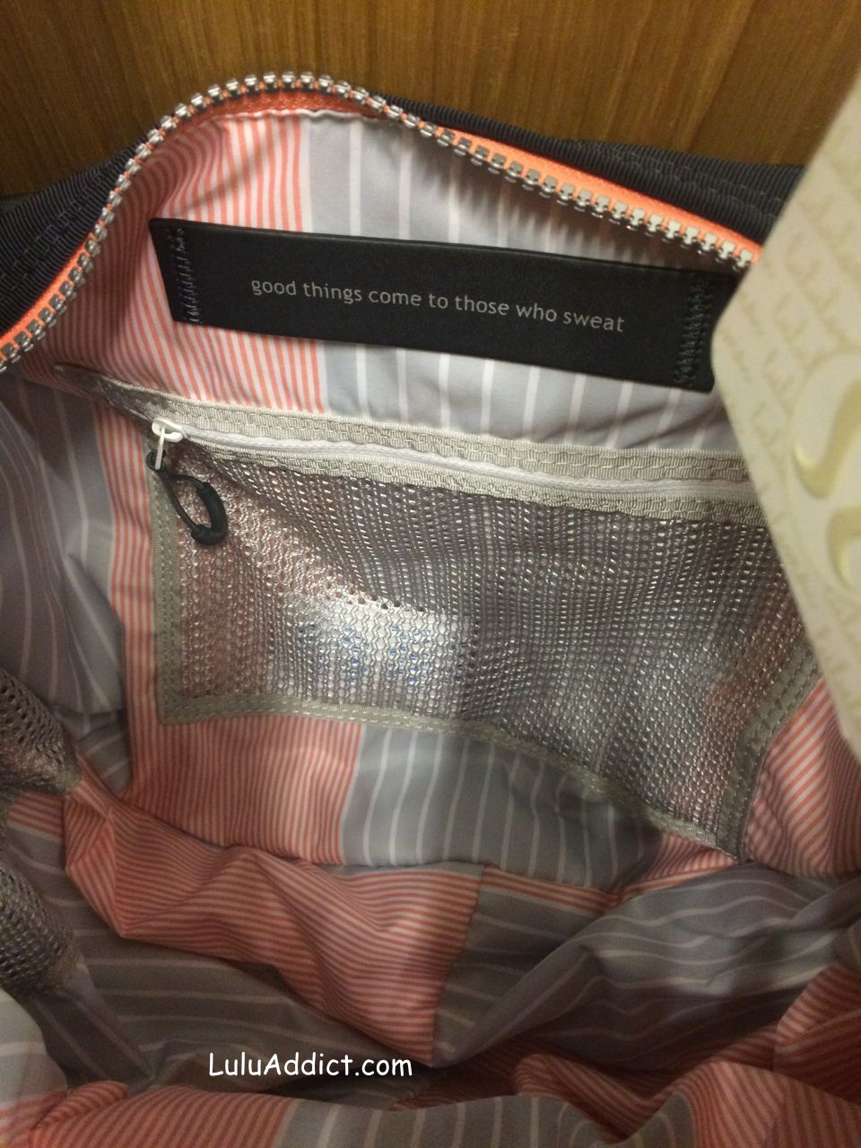 lululemon resolution hobo