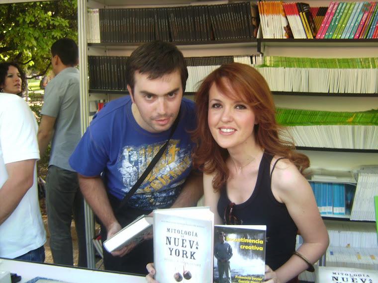 Javi y Vanessa Montfort FERIA del libro de Madrid 12-06-11