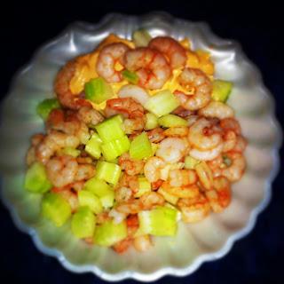 perchè il bello delle insalate è che sono fresche: gamberetti , sedano al limone!
