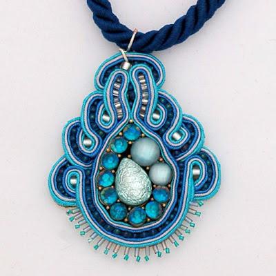 sutasz naszyjnik wisiorsoutache pendant necklace 23