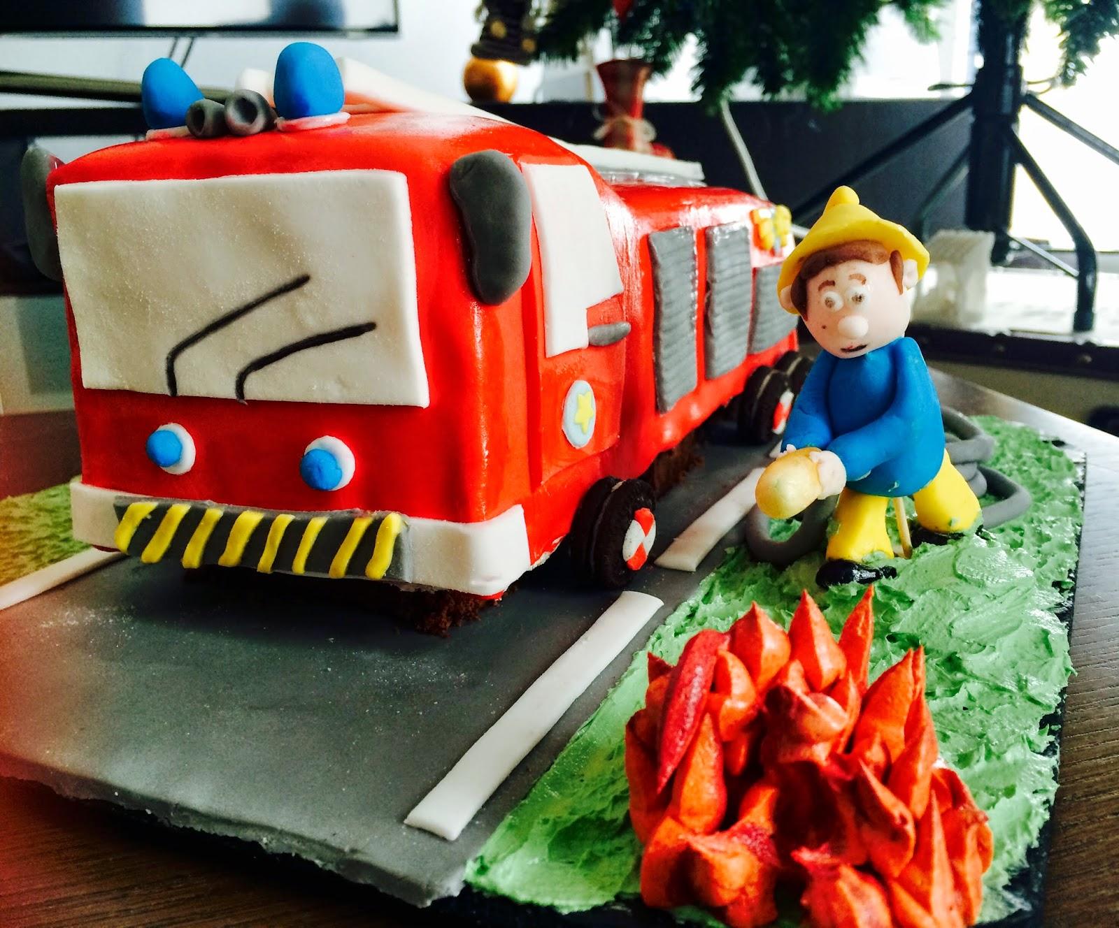 Fabtastic cakes tutoriel g teau camion pompier - Leo le camion pompier ...