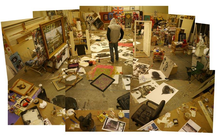 http://1.bp.blogspot.com/-57pPeOMeJ8A/T8RaHkS10PI/AAAAAAAAH1g/v8JhkGKx6f0/s1600/banksy+estudio.jpg