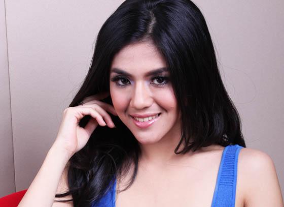 Foto Hot Putri Una Astari Seksi