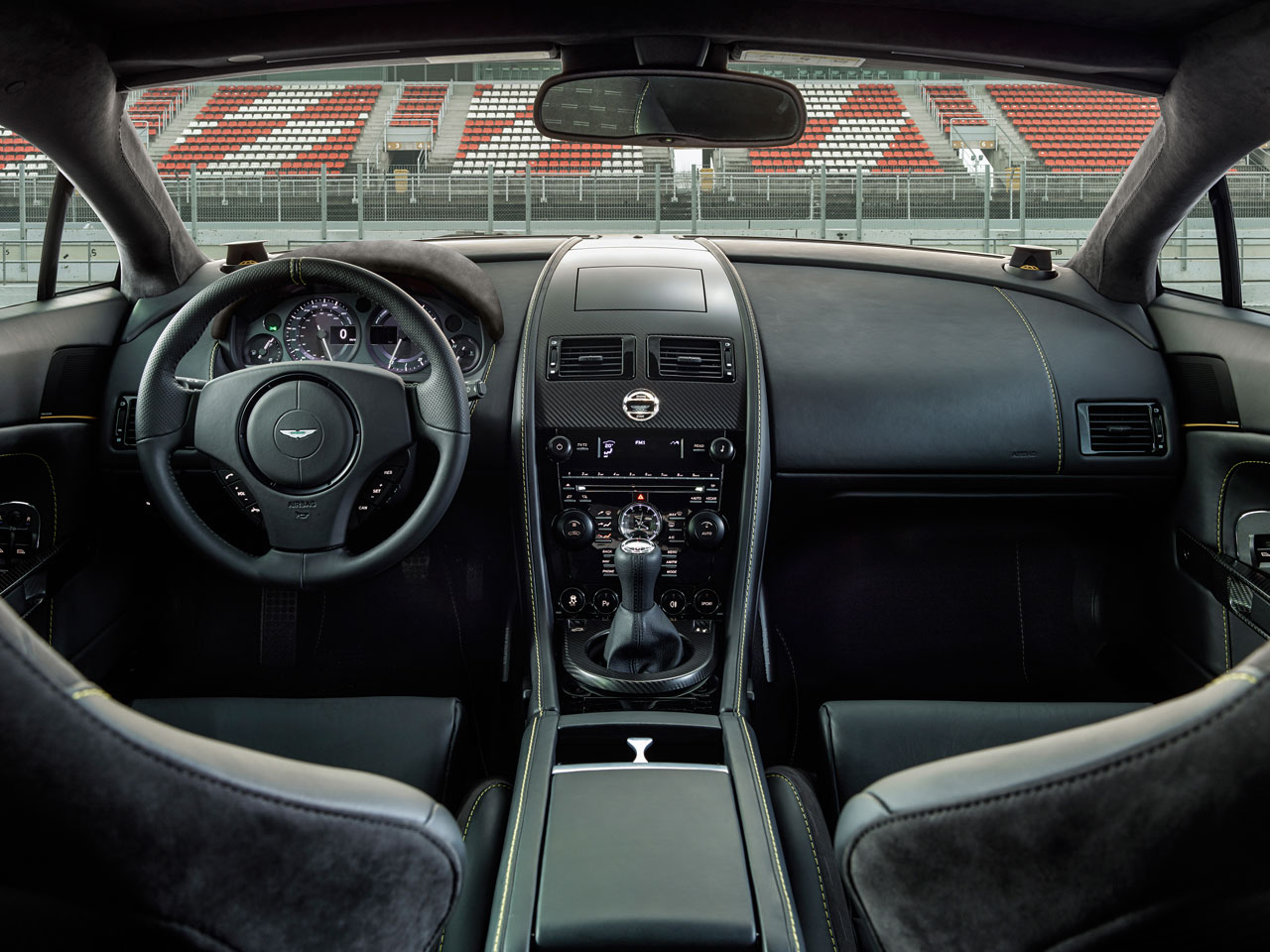 Aston Martin V8 Vantage N430 dash
