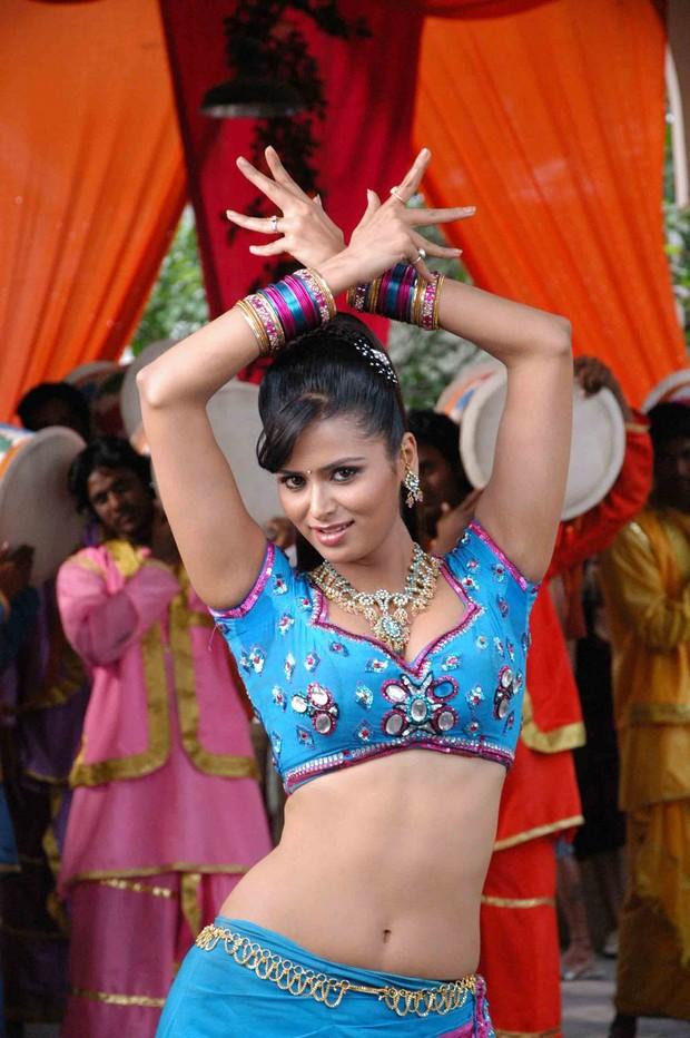 Billa 2 meenakshi dixit item dance girl gallery hindi tamil billa 2 meenakshi dixit item dance girl gallery altavistaventures Images