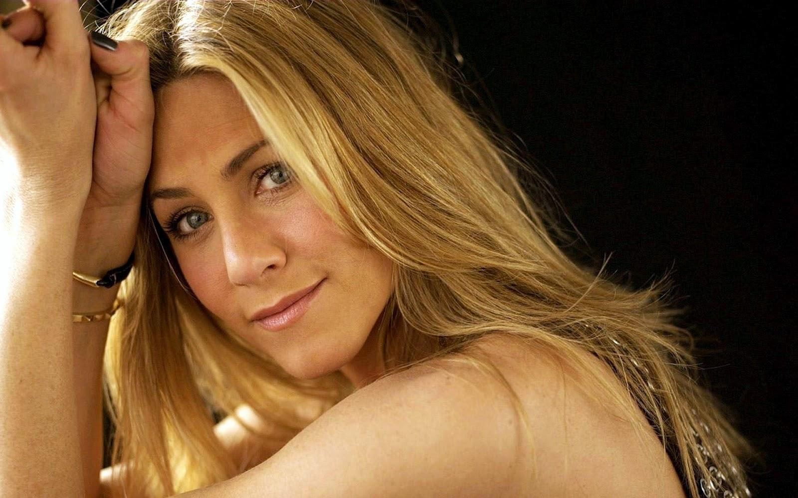 http://1.bp.blogspot.com/-58G5w-VjBOM/UB4LjUrUMII/AAAAAAAAAv0/Bc6emqCUzAM/s1600/Jennifer+Aniston+Wallscelebs.blogspot+(1).jpg