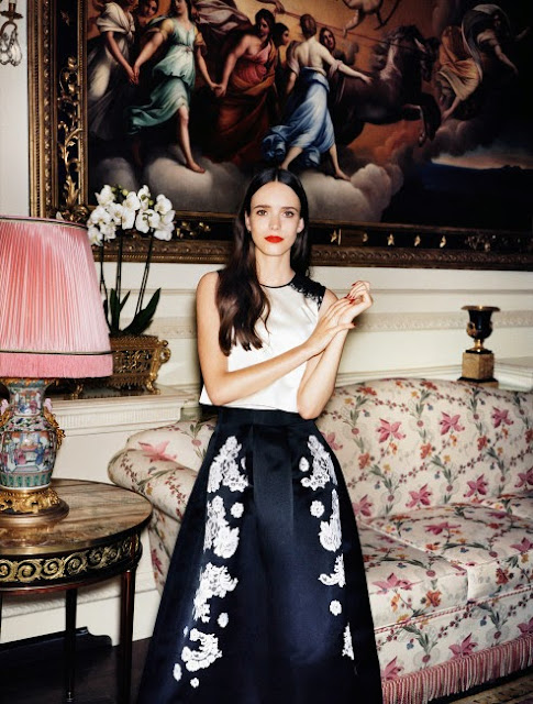 Fashion : Angelo Pennetta Shoots Stacy Martin Wearing Erdem for Vogue US