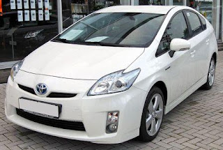 Info Harga Mobil Toyota Prius