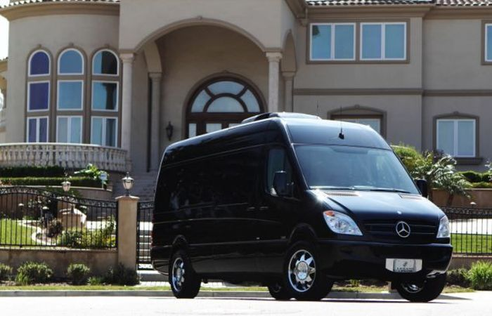 Luxury mercedes benz sprinter van amazing facts for Luxury mercedes benz sprinter