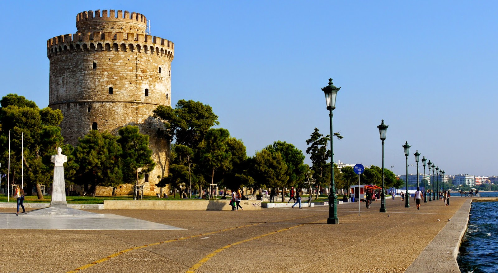 how to get from ludvighafen to thessaloniki