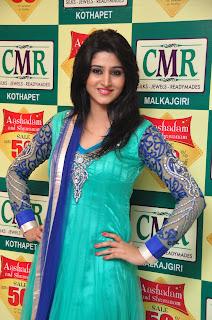 Model Shamili in chudidar at cmr event 014.jpg