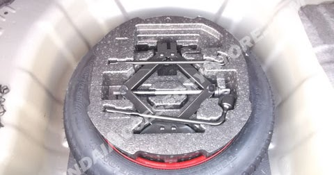 kia accessory store 2014 16 kia soul compact spare tire kit. Black Bedroom Furniture Sets. Home Design Ideas