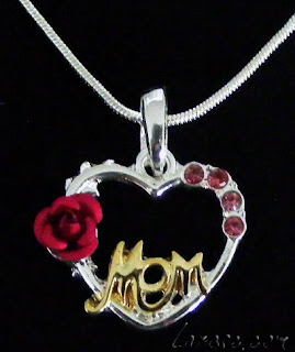 Buy Mom a Heart Pendant for her Birthday