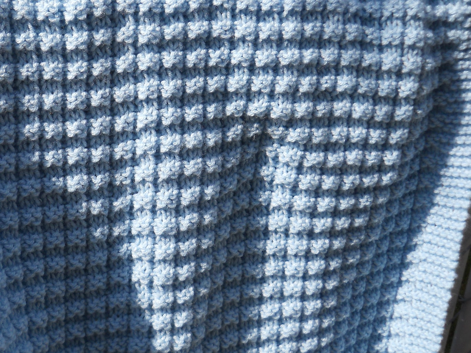 Free Knitting Pattern For Moss Stitch Baby Blanket : Suzies Stuff: WARM WAFFLES BABY BLANKET
