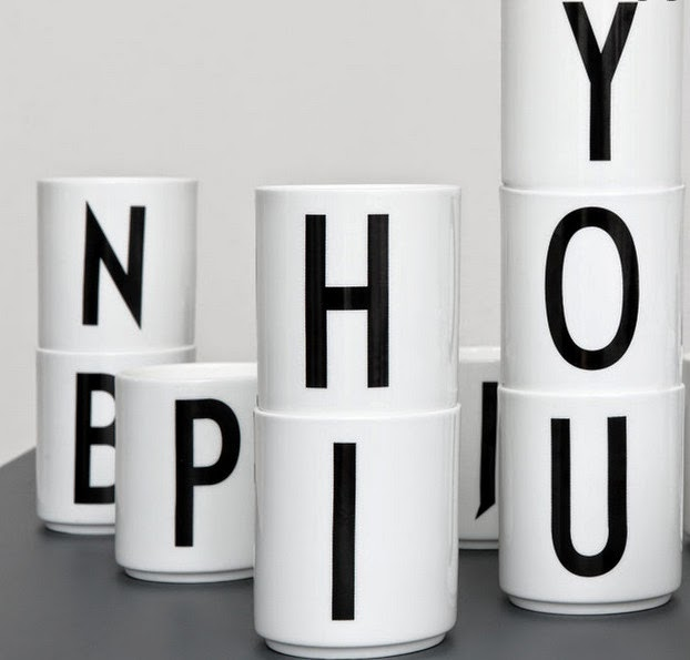 Skandivis alphabet mugs