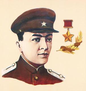 Султанов родился 27 ноября 1917 года