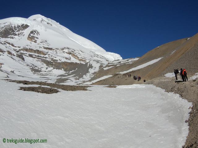 Trekking in Annapurna Round