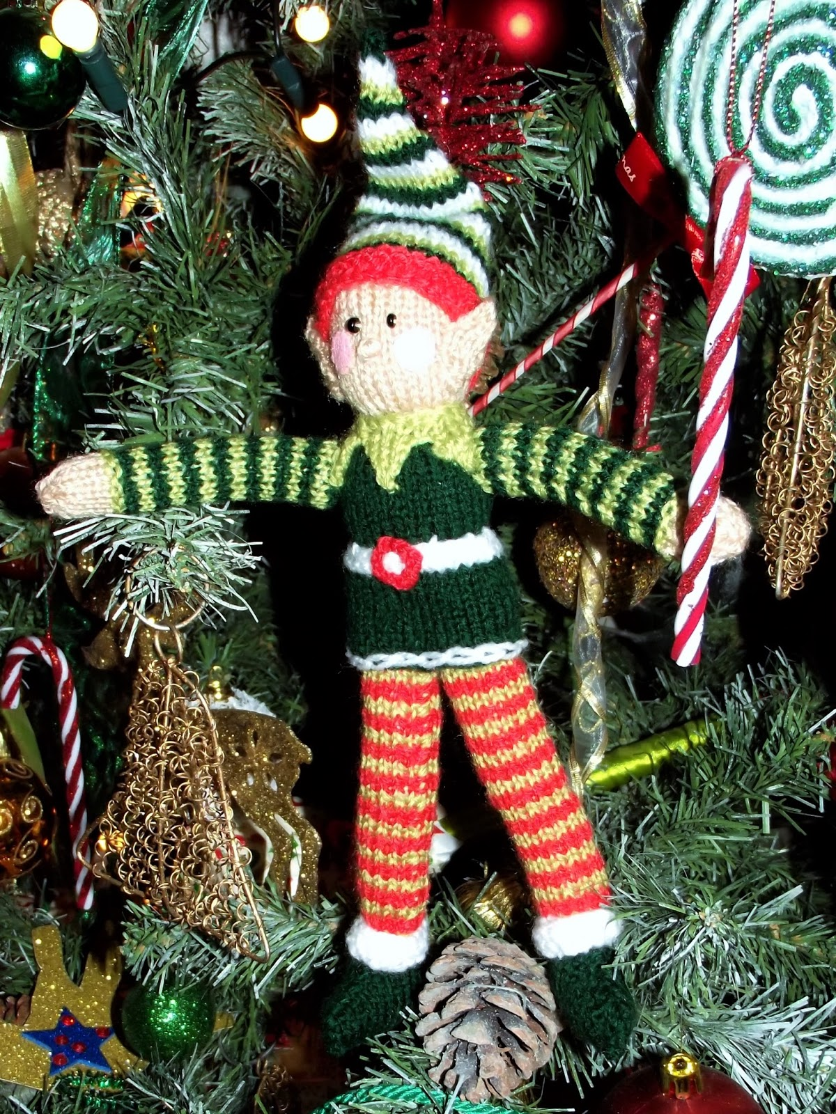 Liana Marcel - Keep calm and craft!: Free Christmas elf knitting pattern from...