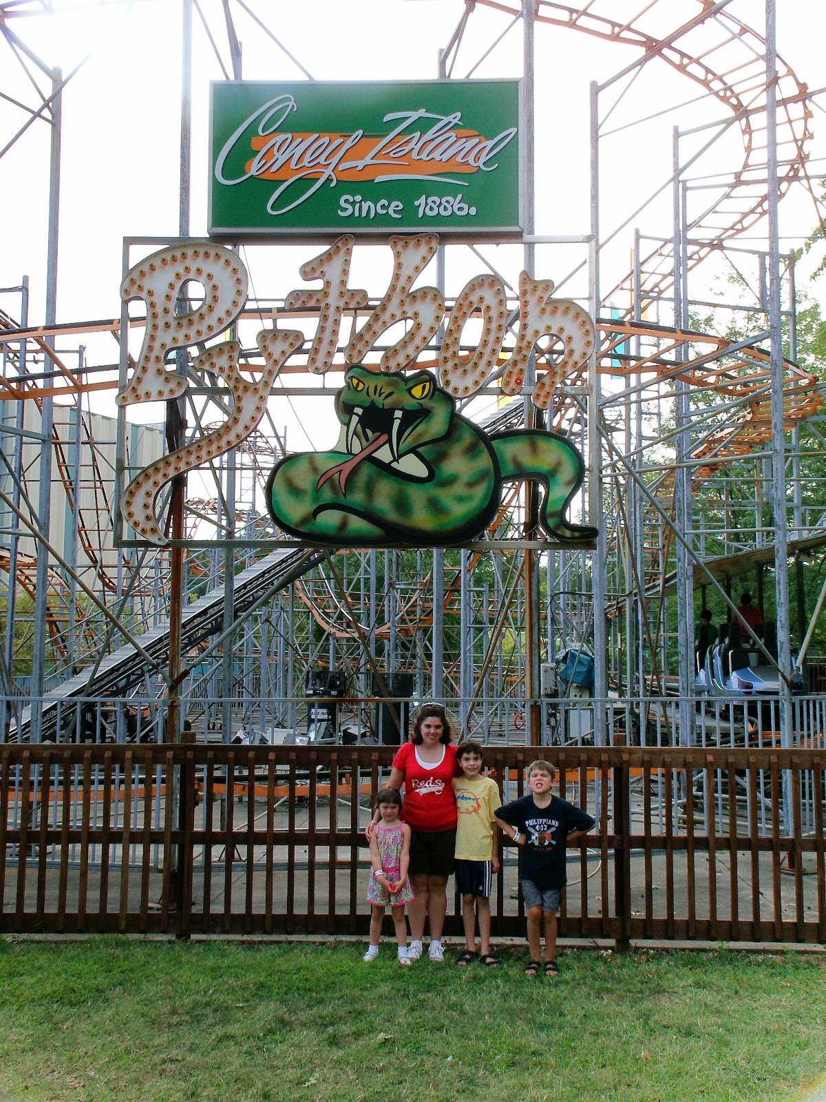 Barnette Family Happenings: Coney Island