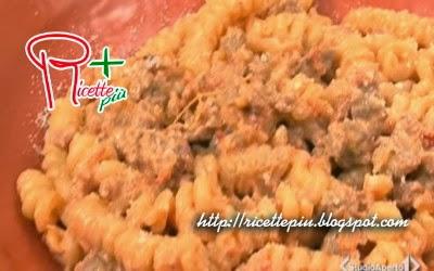 Pasta con Salsiccia e Pomodorini di Cotto e Mangiato