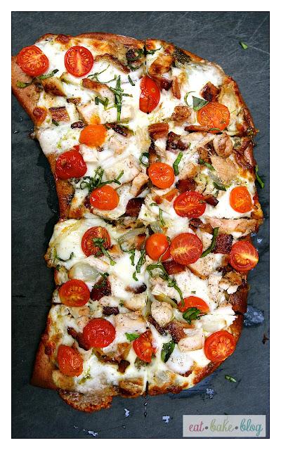 pesto, pizza, shallots