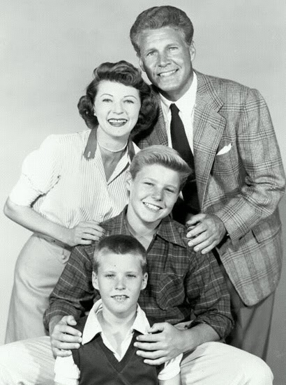· David Nelson, the elder son of Ozzie and Harriet Nelson and the last surviving member of the family that became an American institution in the s and '60s as the stars of the classic TV sitcom