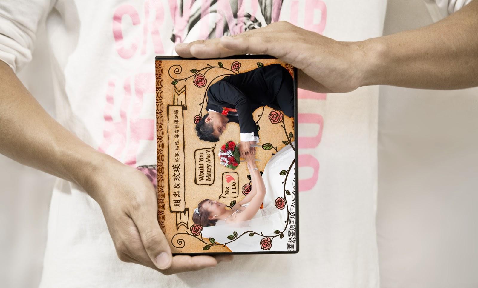 SHOWCASE作品展示 | 明忠X玟瑛婚攝DVD封面設計 by MUMULab.com
