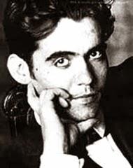 """""""Todas las cosas tienen su misterio, y la poesía es el misterio de todas las cosas"""""""