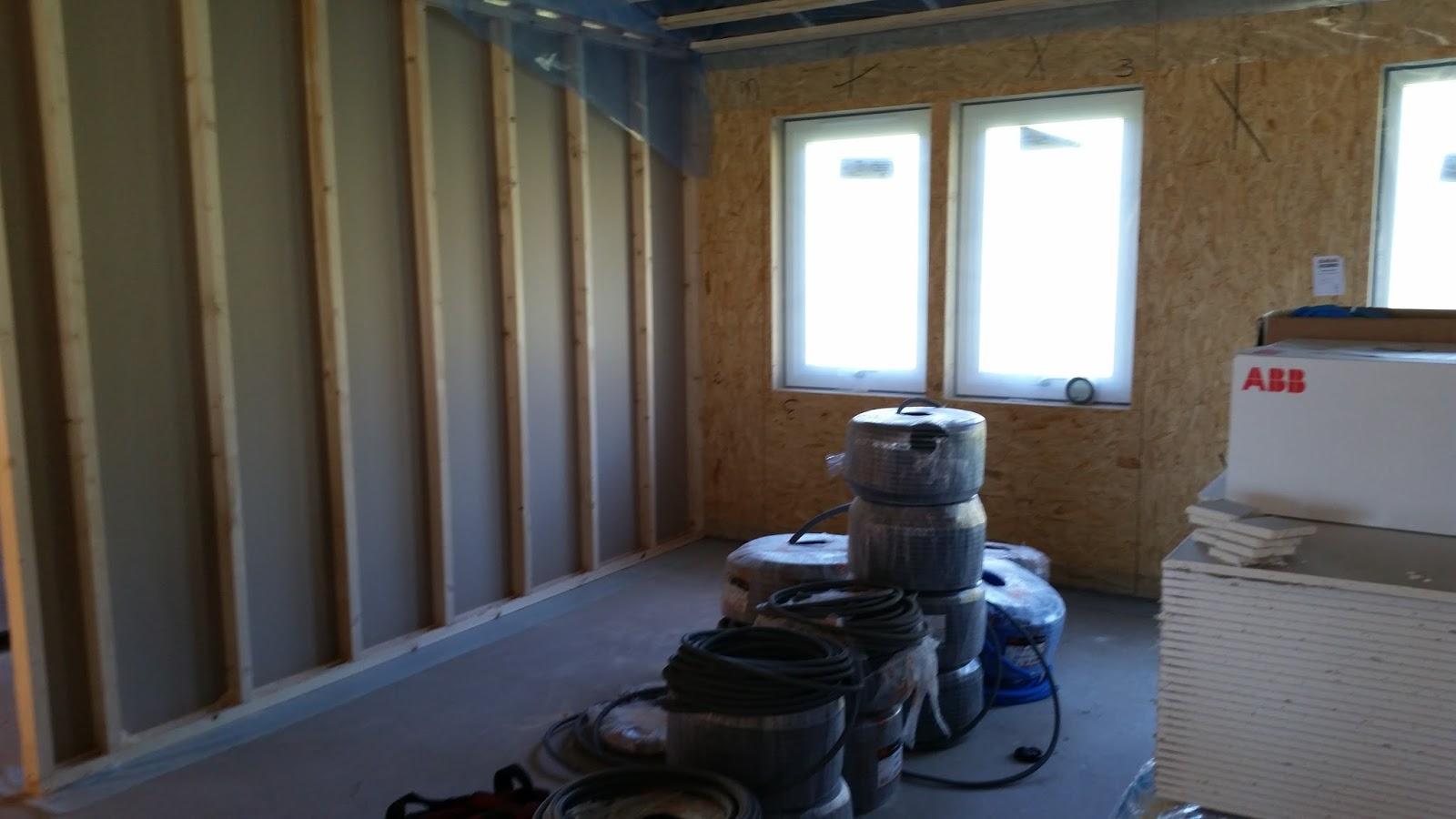 Familjen issa bygger eksjö hus prio två : oktober 2015