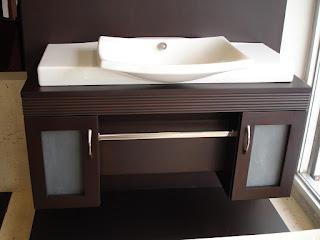 Carpinteros: muebles de baño