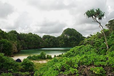 sempu segara anakan Pulau Sempu   Keindahan Pantai Selatan dan Segoro Anakan
