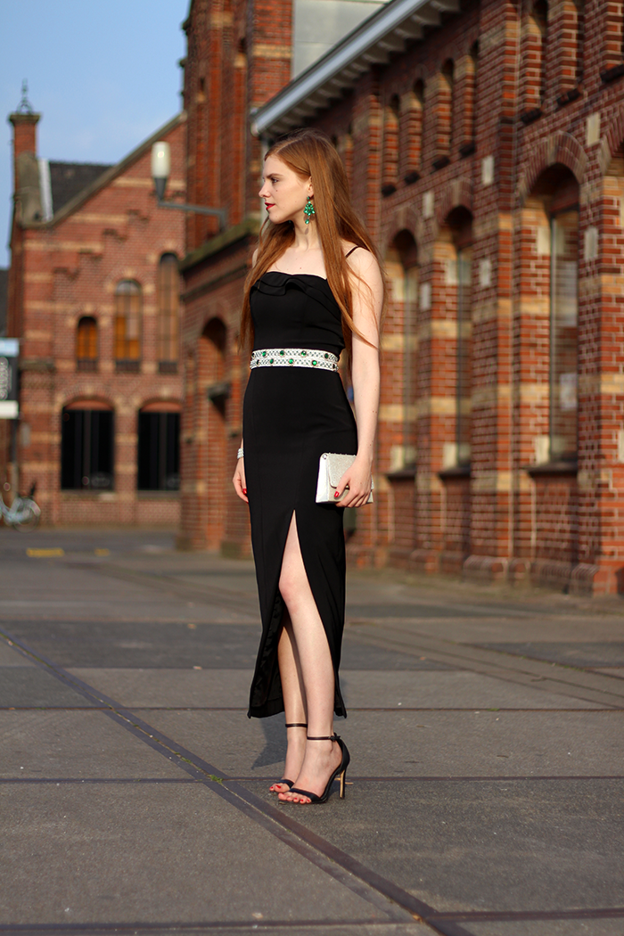 Outfit vintage emerald belt chique gala split dress MBFWA AFW Fashion Week Amsterdam Blogger