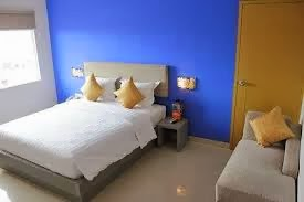 alamat hotel surabaya