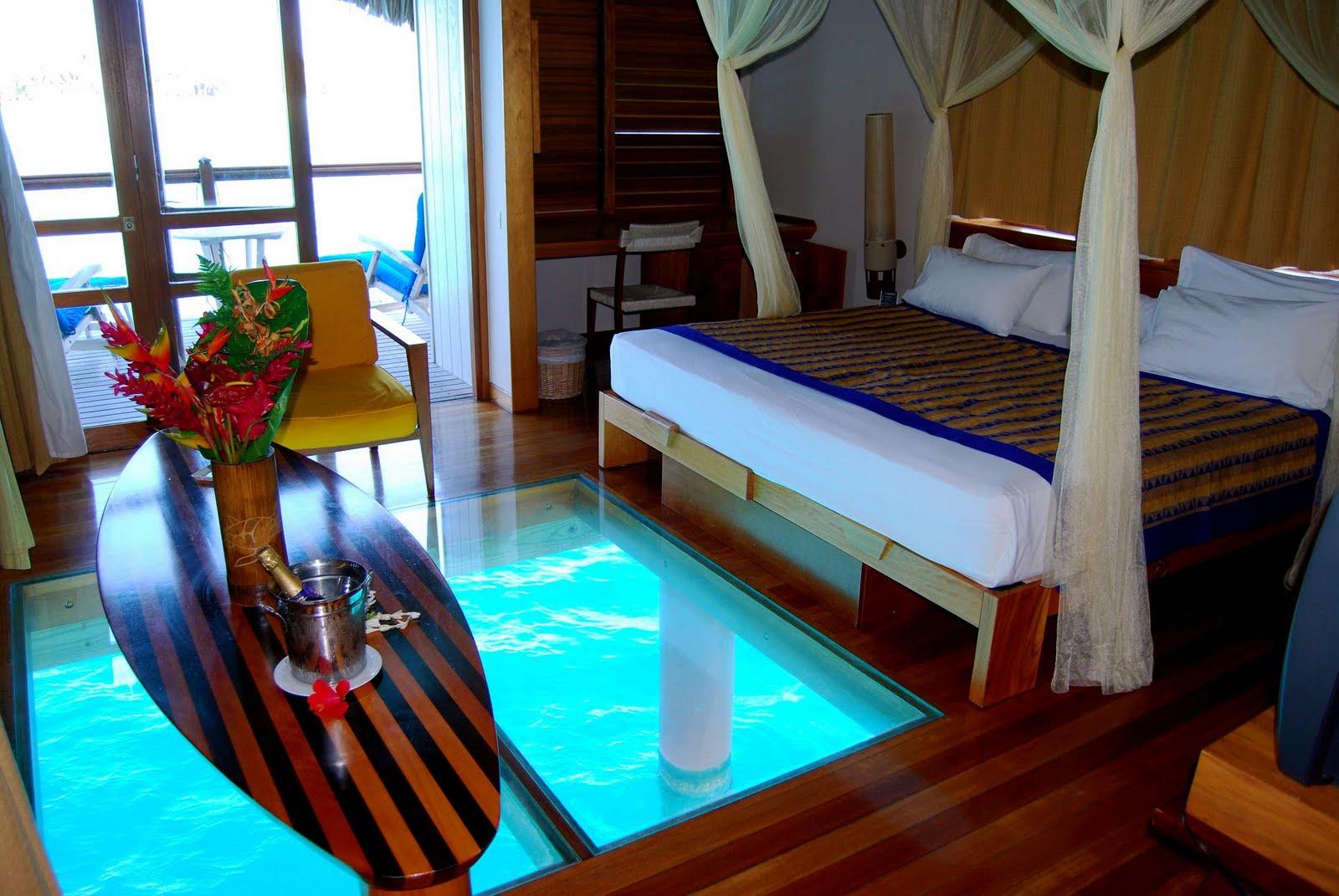 Erotica Hotel Room Service
