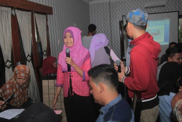 Blogger medan durian september kafe potret
