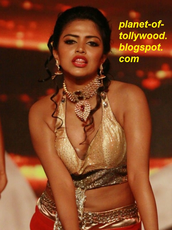 tollywood gallery amala paul hot spicy navel and cleavage