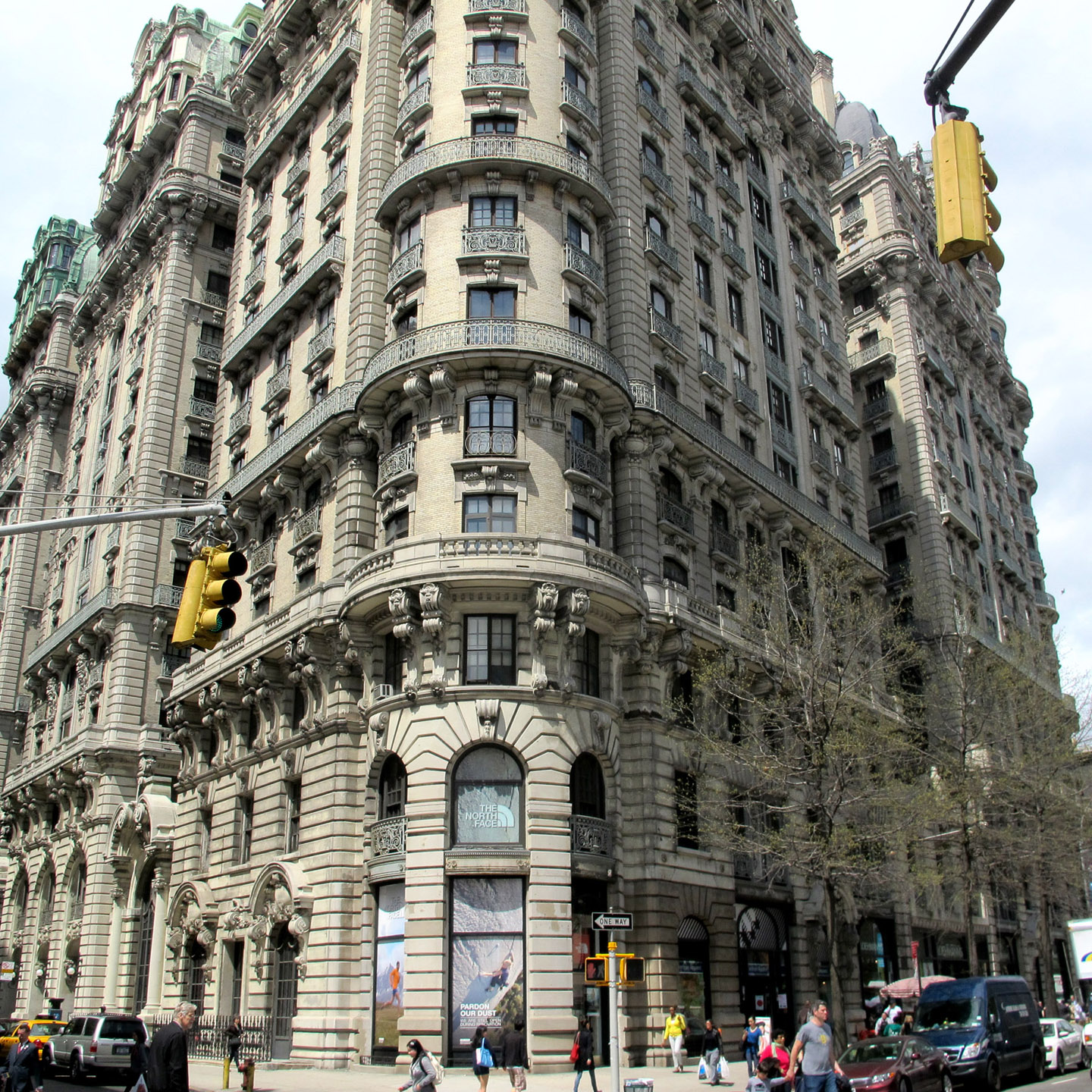 Big apple secrets ansonia luxury coop with the farm on for Upper west side apartments nyc