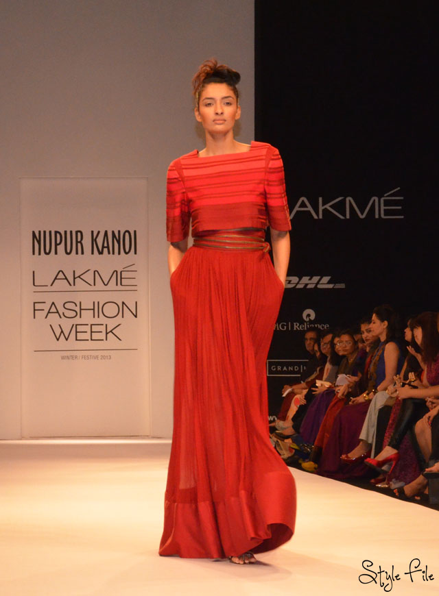 lakme fashion week nupur kanoi red stripes crop top maxi skirt